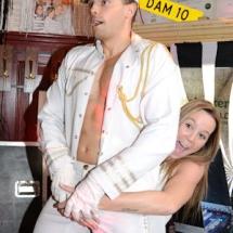 "ALT=""marine striptease show"""