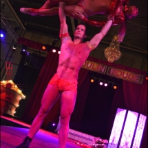 Aziatische acrobatiek show